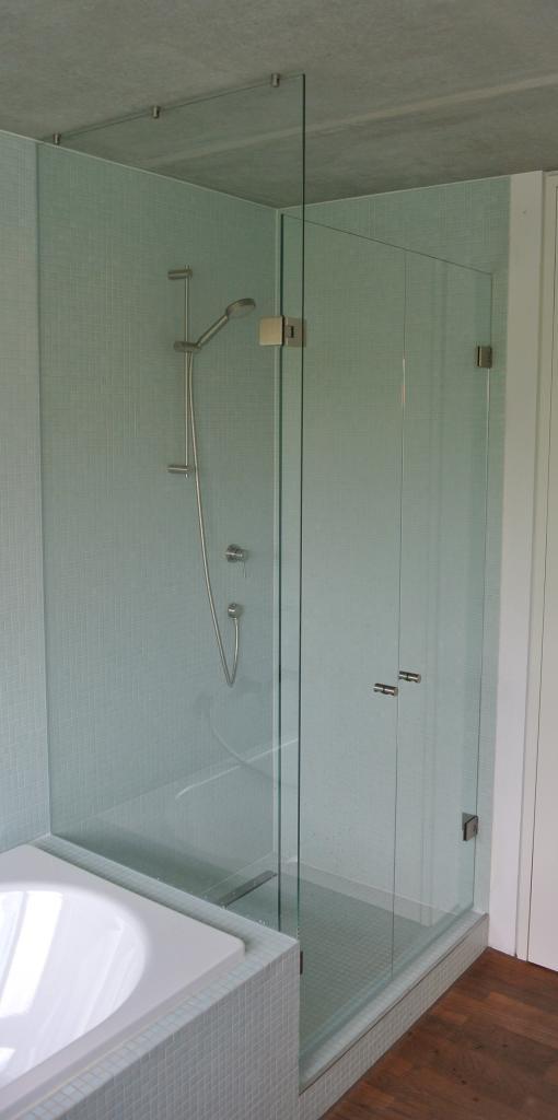 Dusche Glasdusche Milano Original von KL Glas Wand mit Edelstahlprofiel 2 Türen und 1 festes Seitenteil
