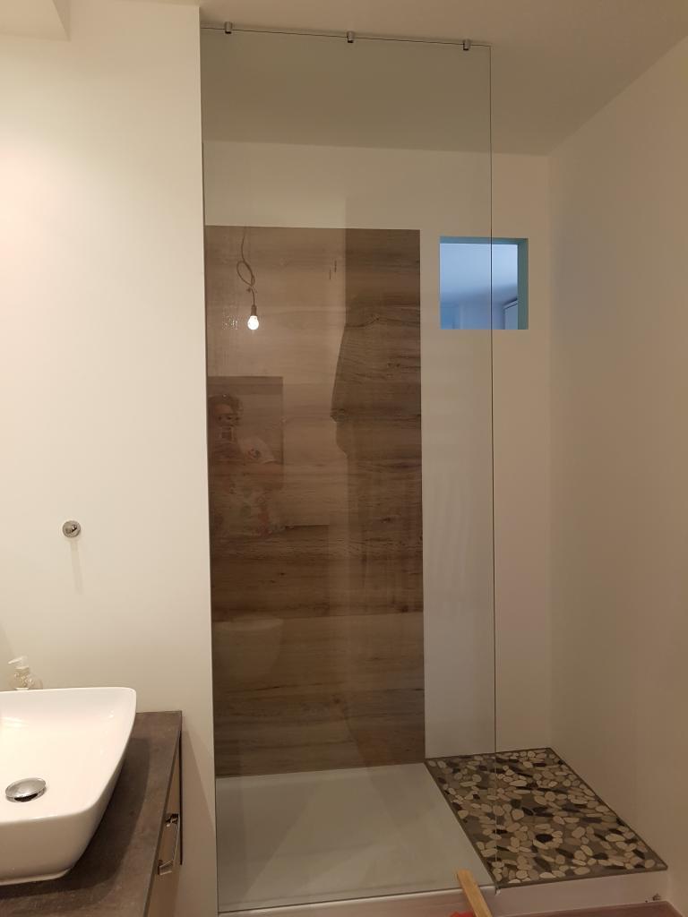 Deckenbefestigung  Walk in Dusche